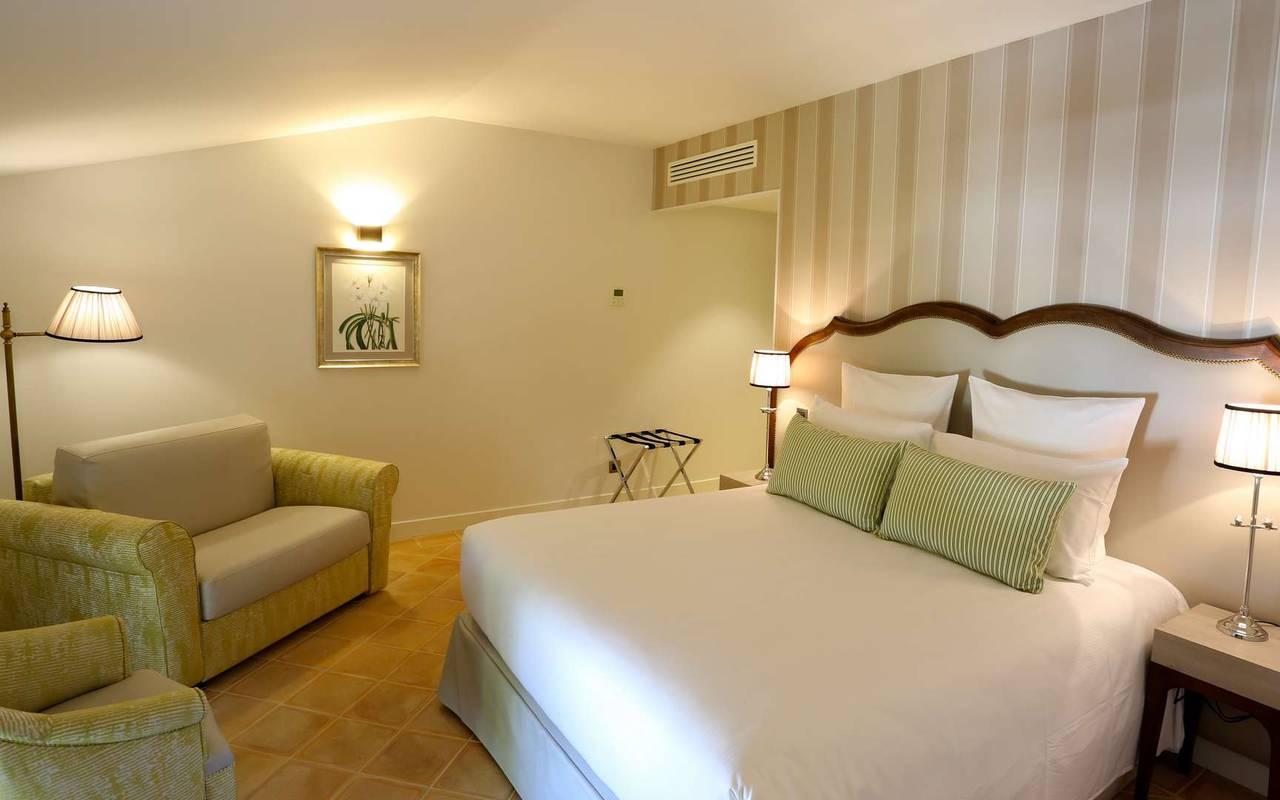Chambre deluxe du château hôtel à Toulouse