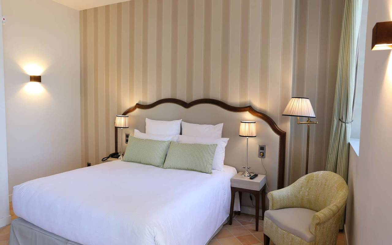 Chambre supérieure de l'hôtel de charme à Toulouse