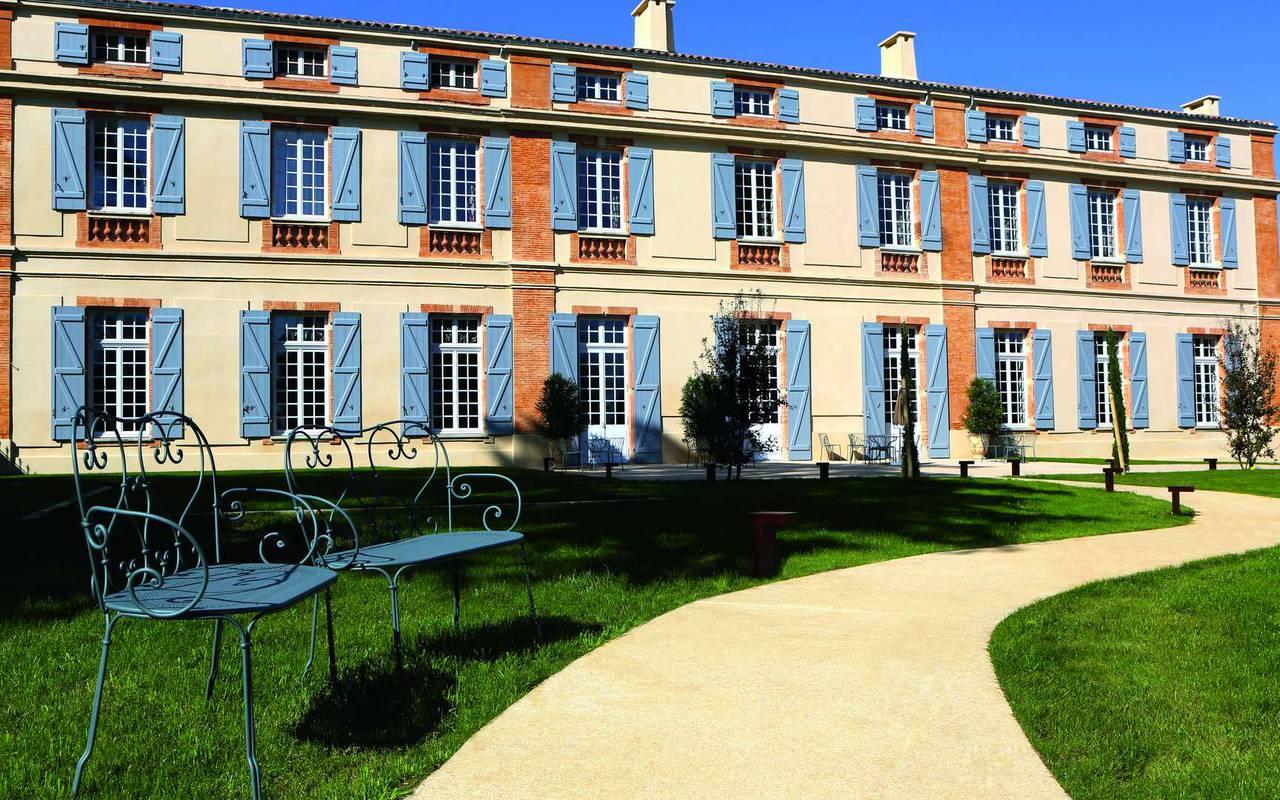 Façade de l'hôtel de charme à Toulouse