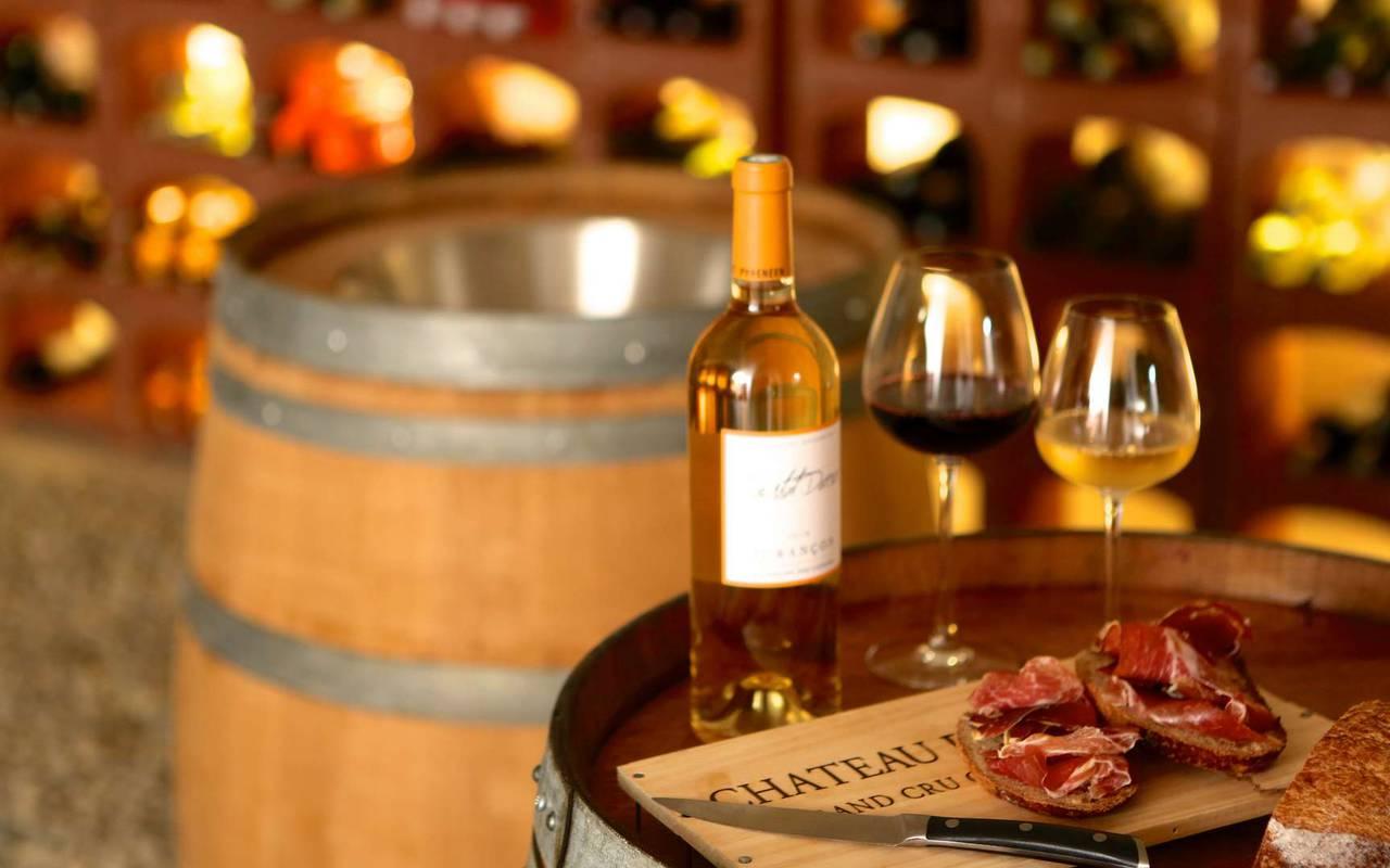 Cave à vin du château hôtel à Toulouse