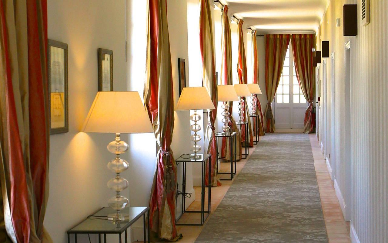Couloir de l'hôtel de charme à Toulouse